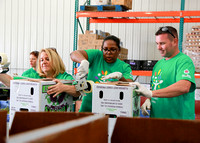 Comcast Food Bank 2017-017